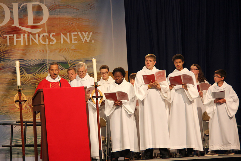 Carlos E. Peña, vice president of the ELCA, serves as assisting minister during Monday's worship.