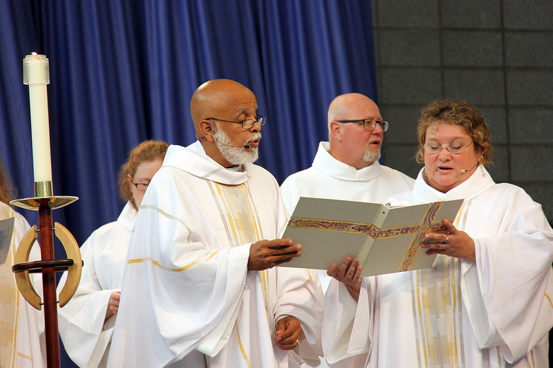 Worship leaders sing at the start of Thursday's service.