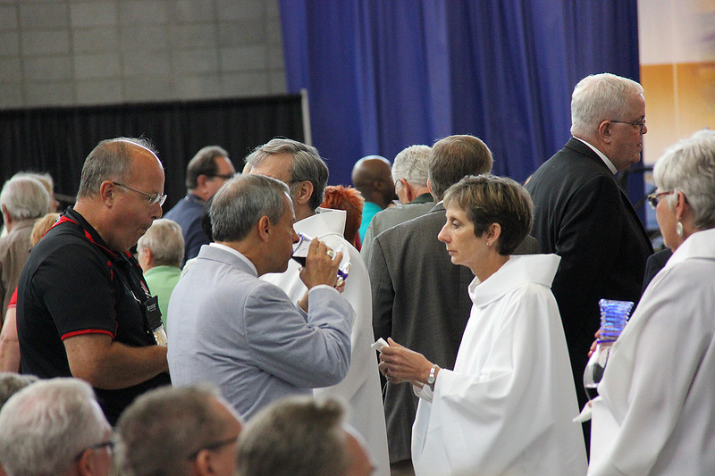 Carlos E. Peña, vice president of the ELCA, attends morning worship.