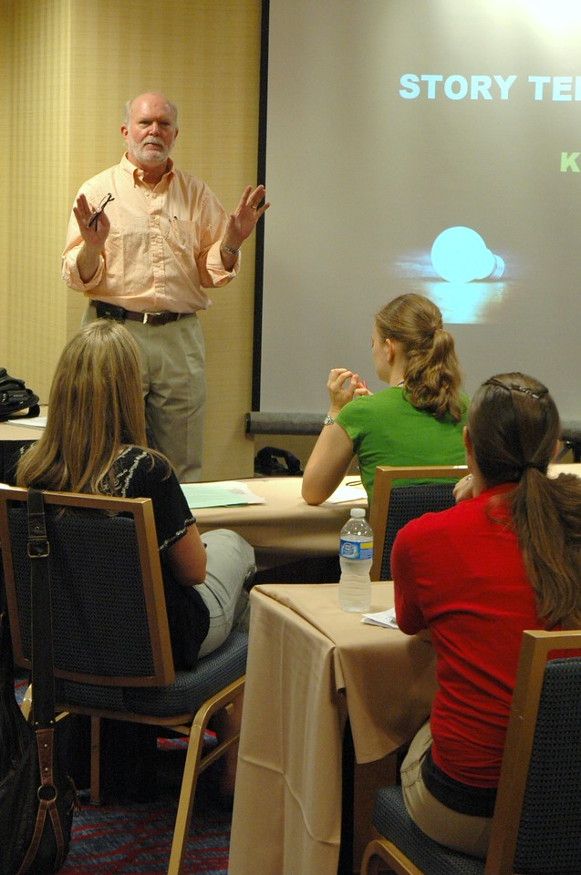 """Rob Moore, President and CEO, Lipman Hearne, presents the workshop """"Finding Your Message"""""""