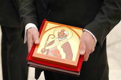 An icon of St. Augustine was presented to Pope Benedict XVI by the ELCA delegation after the pope's March 22 public audience in St. Peter's Square. The icon was made specifically for the pope by the Rev. Gary L. Safrit, retired ELCA pastor, Greer, S.C.