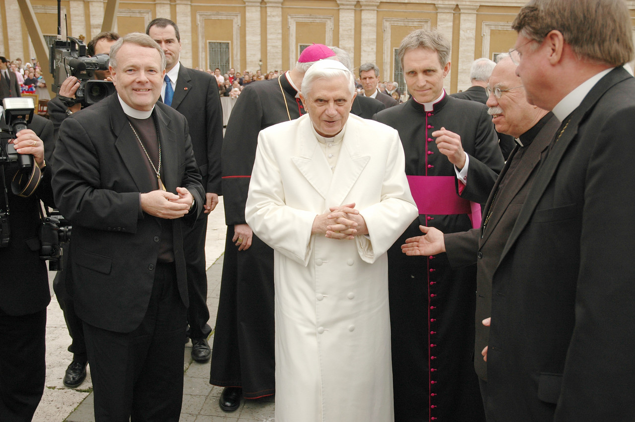 Pope Benedict XVI, center, greeted several members of an ELCA delegation following his public audience at St. Peter's Basilica March 22 in Vatican City. With the pope, are, left, Bishop E. Roy Riley of the ELCA New Jersey Synod and chair of the ELCA Conference of Bishops; second from right, Bishop Philip L. Hougen, ELCA Southeastern Iowa Synod; and right, Bishop Steven L. Ullestad, ELCA Northeastern Iowa Synod.