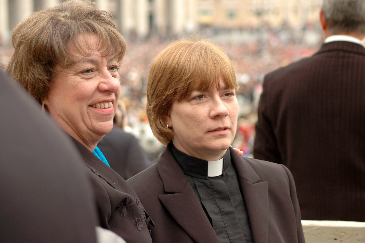 Faith A. Ashton, left, a member of the ELCA Church Council, Chapel Hill, N.C., and the Rev. Martha W. Clementson, assistant to the bishop, ELCA Southwestern Pennsylvania Synod, Pittsburgh, were two members of the ELCA delegation who were part of the ELCA Ecumenical Journey.