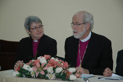 ELCA Presiding Bishop Mark Hanson addresses a news conference in Amman, Jordan Jan. 5.  At left is ELCIC National Bishop Susan Johnson.