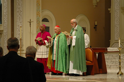 Leading the Oct. 1 JDDJ celebration in Chicago were, from left, the Most Rev. Wilton Gregory, archbishop of Atlanta; Cardinal Francis George, president, U.S. Conference of Catholic Bishops and the Rev. Mark S. Hanson, presiding bishop, Evangelical Lutheran Church in America and president, the Lutheran World Federation.