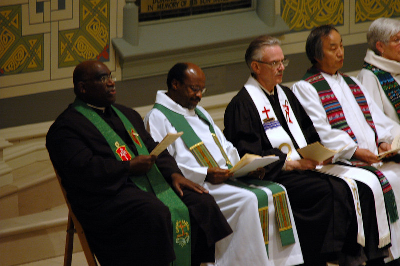 Bishop Gregory V. Palmer, left, president of the Council of Bishops, the United Methodist Church, participated in the Oct. 1 JDDJ celebration in Chicago.  Next to him is the Rev. Ishamel Noko general secretary, the Lutheran World Federation' the Rev. Michael Kinnamon, general secretary, National Council of Churches USA; abnd Bishop Hee-Soo Jung, Chicago Episcopal Area of United Methodist Church.