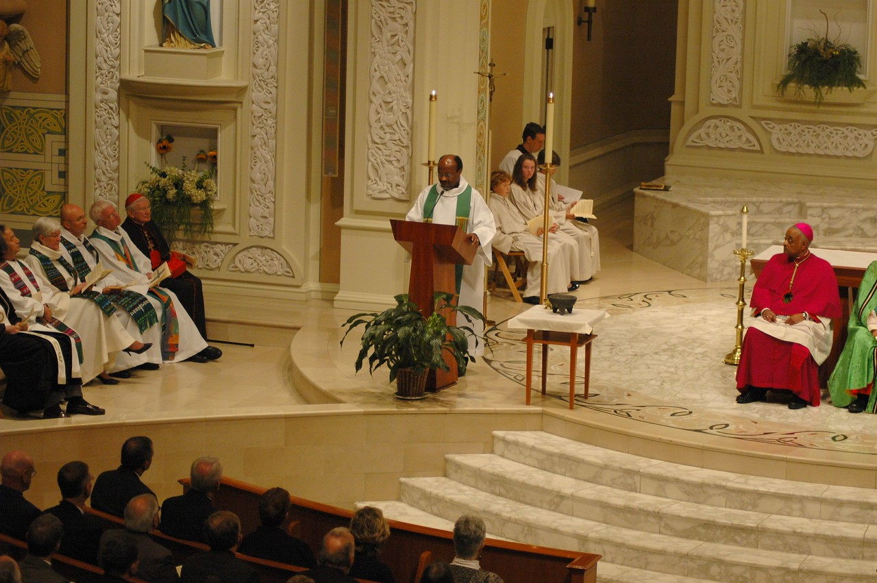 The Rev. Ishmael Noko, general secretary of the Lutheran World Federation, offers a concluding address at the Oct. 1 JDDJ celebration in Chicago.