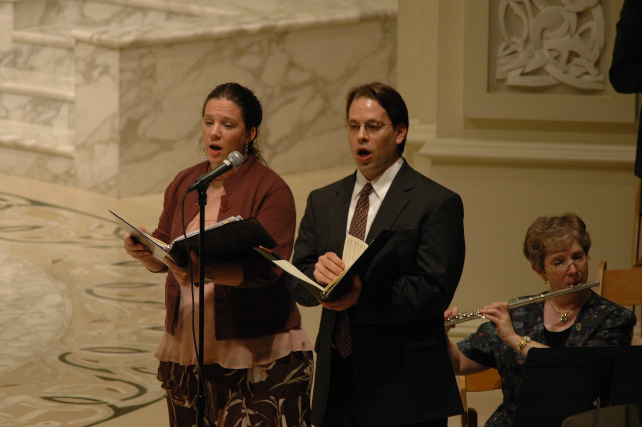 Musicians and cantors Heidi Jo Stirling, left, and Brian Streem, right, helped lead the Oct. 1 JDDJ celbration in Chicago.