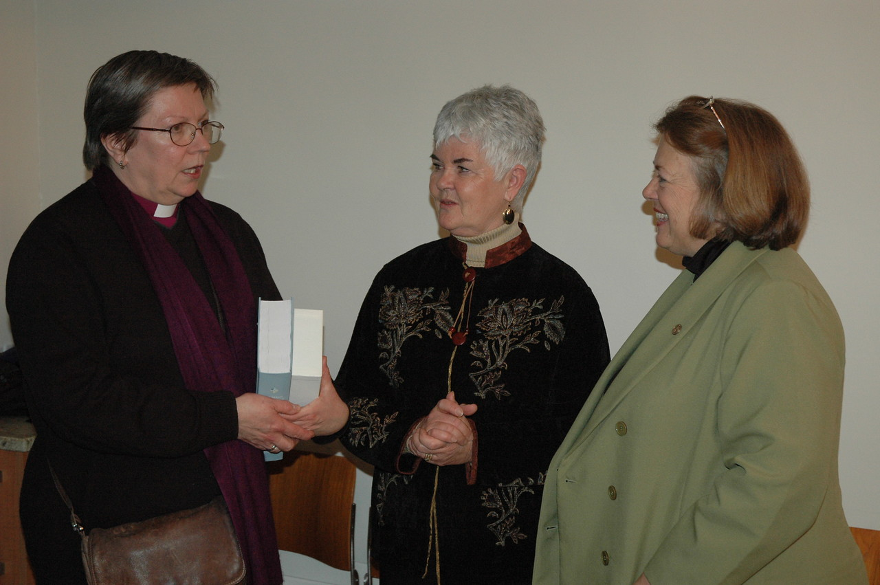 Bishop Jana Jeruma-Grinberga, left, Lutheran Church in Great Britain, visits with Ione Hanson, center, wife of ELCA Presiding Bishop Mark Hanson and the Rev. Susan Langhauser, Olathe, Kan., member of the ELCA Church Council.