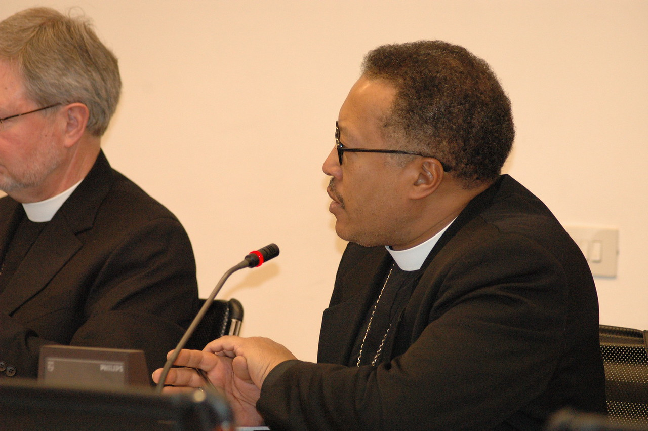 Bishop Callon Holloway, ELCA Southern Ohio Synod, addresses Cardinal Kasper Feb. 12 in Rome.