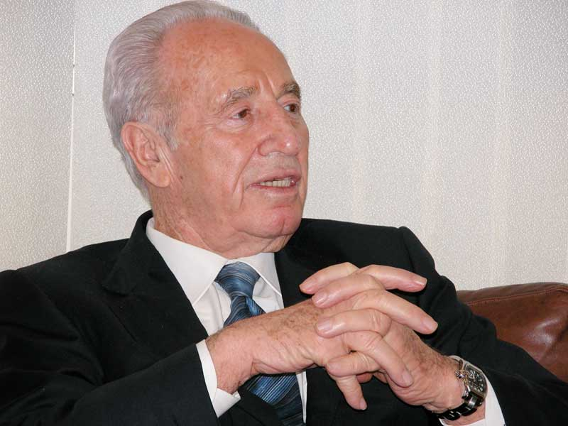 Shimon Peres, chairman of the Israeli Labor Party, met Jan. 13 with U.S. Rep. Lois Capps (D-Calif.) and ELCA Bishops Murray Finck and Dean Nelson at the Labor Party Headquarters in Tel Aviv.