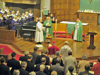 "The ELCA Conference of Bishops, ELCA synod vice presidents, ELCA seminary presidents and St. Luke's members attended a ""Solemn Evening Vespers"" service Oct. 1 at St. Luke's Lutheran Church, Park Ridge, Ill. Guest preacher was Cardinal Walter Kasper, The Vatican's senior ecumenical officer, right. From left is the Rev. Michael L. Burk, ELCA director for worship, and the Rev. Mark S. Hanson, ELCA presiding bishop. Kasper visited the ELCA churchwide offices in Chicago to mark the fifth anniversary of the signing of the Joint Declaration on Doctrine of Justification in Augsburg, Germany."