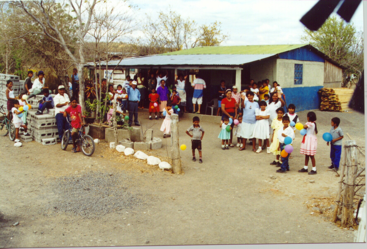 As the ELCA visitors left for home, Pacora village residents said goodbye.