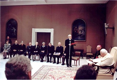 ELCA Presiding Bishop Mark S. Hanson addresses Pope John Paul II in a meeting with the ELCA delegation March 24.