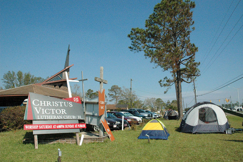 Some churches have limited capacity to house volunteers. Lutheran Disaster Response coordinators are pitching tents to house volunteers who are needed for clean-up work in Hurricane Katrina-affected areas.