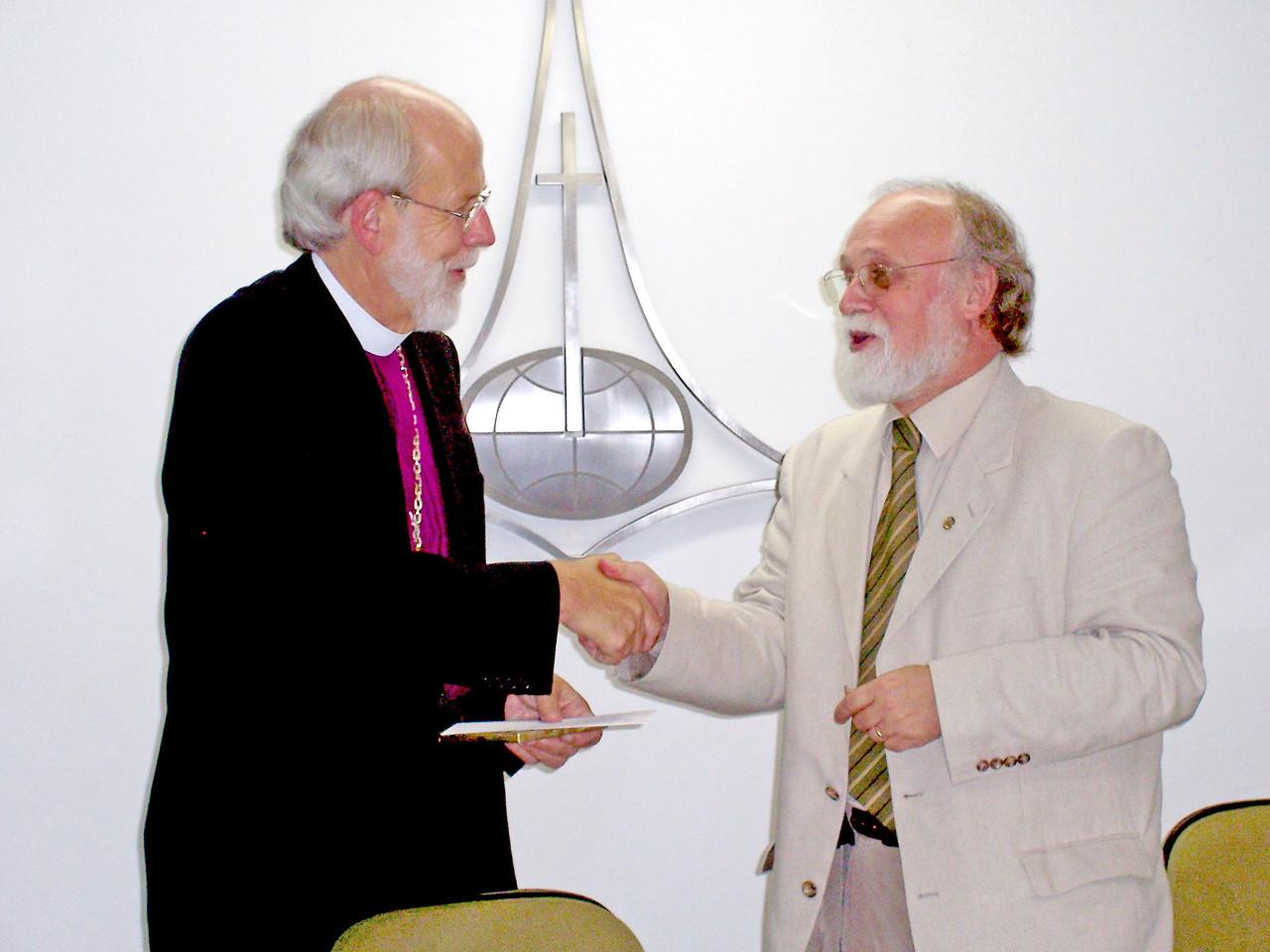 The Rev. Mark S. Hanson (left), LWF president and ELCA presiding bishop, and met Oct. 12 with the Rev. Walter Altmann, pastor president, Igreja Evangélica de Confissão Luterana no Brasil (Evangelical Church of the Lutheran Confession in Brazil), Sao Paulo, Brazil.