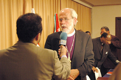 Bishop Mark Hanson, ELCA presiding bishop and Lutheran World Federation president, responds to questions from a reporter with Jordanian Television following a news conference Aug. 27 in Amman, Jordan.