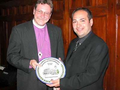 Dr. Tawfiq Nasser, Chief Executive Officer of Augusta Victoria Hospital, presented a commemorative plate to Rev. Stephen Bouman, Bishop of the Metropolitan New York Synod of the ELCA.
