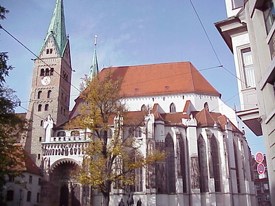 The Oct. 31 special service celebrating the signing of the Joint Declaration on the Doctrine of Justification started at the Roman Catholic cathedral in Augsburg, Germany.