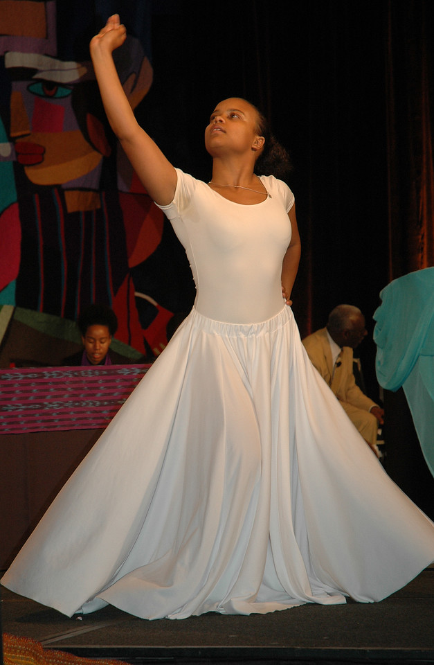 Apu Seyenkulo, Chicago, performs an interpretive dance at the 2009 Multicultural Youth Leadership Event (MYLE) in New Orleans, La. (Carrie Draeger, 2009)