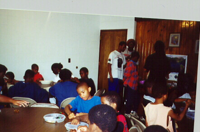 Simba Circle campers participate in crafts activity.