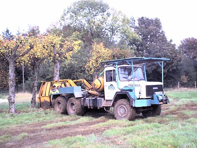 Relocation of lime trees, using a 5 ton tree spade, to the holding nursery on site.