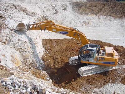 Disposal of Japanese Knotweed on site, 7m deep.
