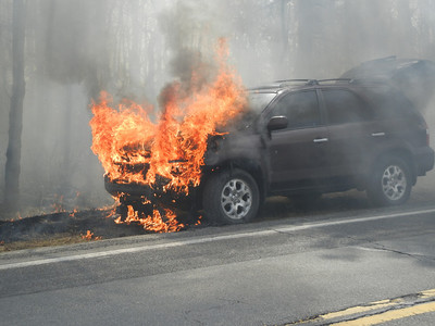 MAHANOY TOWNSHIP VEHICLE FIRE 3-18-2011 PICTURES AND VIDEOS BY FRANK ANDRUSCAVAGE