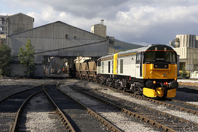 20905+20096 draw a train of coal through the coal discharge shed at Hope cement works on 16/09/2005.