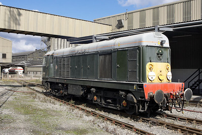 D8056 awaits its next duty at Hope cement works on 16/09/2005.