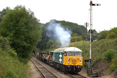 56057 has been given permission to advance to Wansford station, the second man looks back to check all is well as 56057 gets the train rolling on 22/07/2005.
