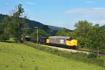 37901 works a short PW train at Glyndyfrdwy on 17/06/2006.