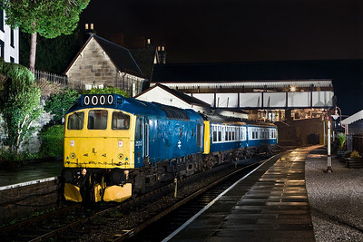 25313 drags a failed LO262 at Llangollen on 19/01/2008.