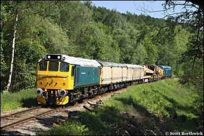 25322 'Tamworth Castle' and 37075 top & tail a breakdown train at Hazel's Wood on 01/06/2009.