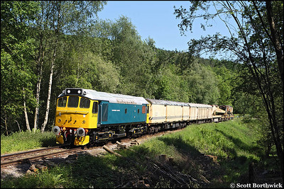 25322 'Tamworth Castle' heads a breakdown train at Hazel's Wood on 01/06/2009.