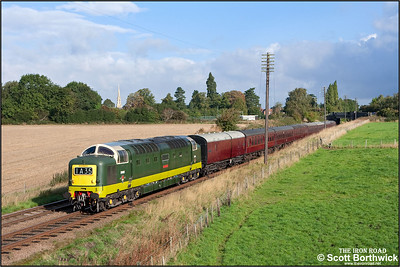D9009 'Alycidon' passes Woodthorpe on16/09/2010.