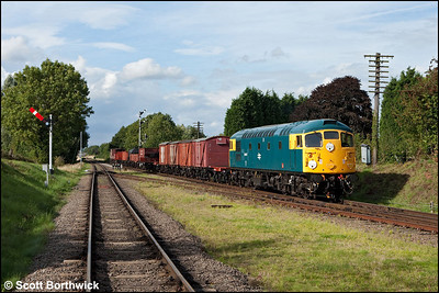 26007 arrives at Quorn & Woodhouse with a mixed freight on 07/09/2010.