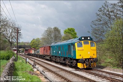 25059 hauls a short freight at Haworth on 21/05/2013.