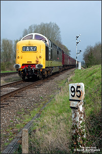 D9016 'Gordon Highlander' approaches Quorn & Woodhouse on 02/04/2014.