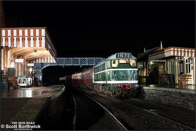 D5631 (31207) arrives at Weybourne on 08/11/2014.