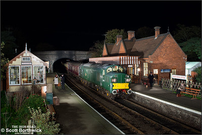 D6732 (37032) arrives at Weybourne on 08/11/2014.