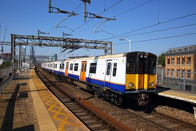 315809 on the 2U36 1130 London Liverpool Street to Enfield Town at Bethnal Green on the 2nd September 2018