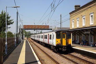 317661+317884 on the 2H33 1304 Cambridge to London Liverpool Street at Great Chesterford on the 25th July 2019