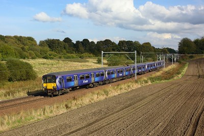 318270 leading 320403 on 2E63 1516 Airdrie to Balloch nearing Easterhouse at Manse Road, Bargeddie on 2 October 2020  Class318, Scotrail, NorthClydeline