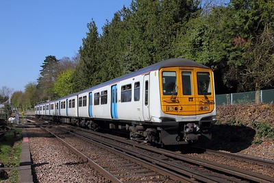 319011 on the 2B39 1442 London Blackfriars to Sevenoaks at Otford on the 8th April 2017