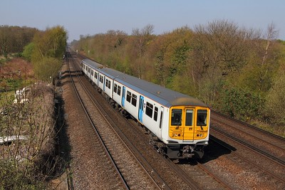 319459 on the 2B23 1042 London Blackfriars to Sevenoaks at Swanley on the 8th April 2017