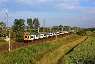 319220 leading 319217 and 319460 on 1N93 1852 London Euston to Northampton at Ledburn on 8 July 2021  Class319, LNWR, WCML