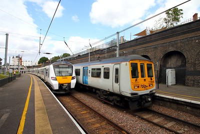 319449+319436 on the 5E19 Cricklewood to Hornsey at Kentish Town on the 20th August 2017  A positioning move for collection by 37884 to take them for storage at Long Marston 1