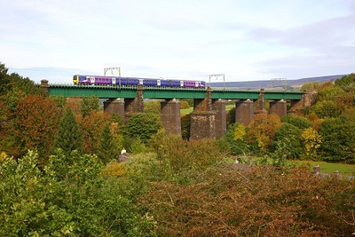 323228 on the 2G44 Hadfield to Manchester Piccadilly at Dinting viaduct on the 7th October 2018