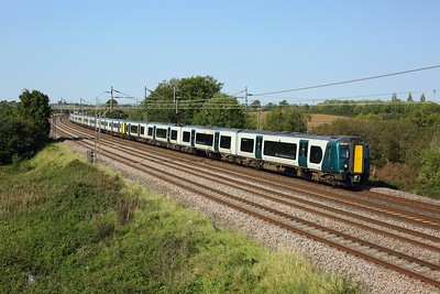 350267 leads 350108 and 350106 on 2K18 1256 Milton Keynes Central to London Euston at Chelmscote on 22 September 2020  LNWR, Class350